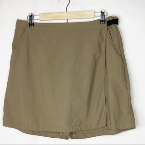 COLUMBIA Women's Tan Skorts in Size XL
